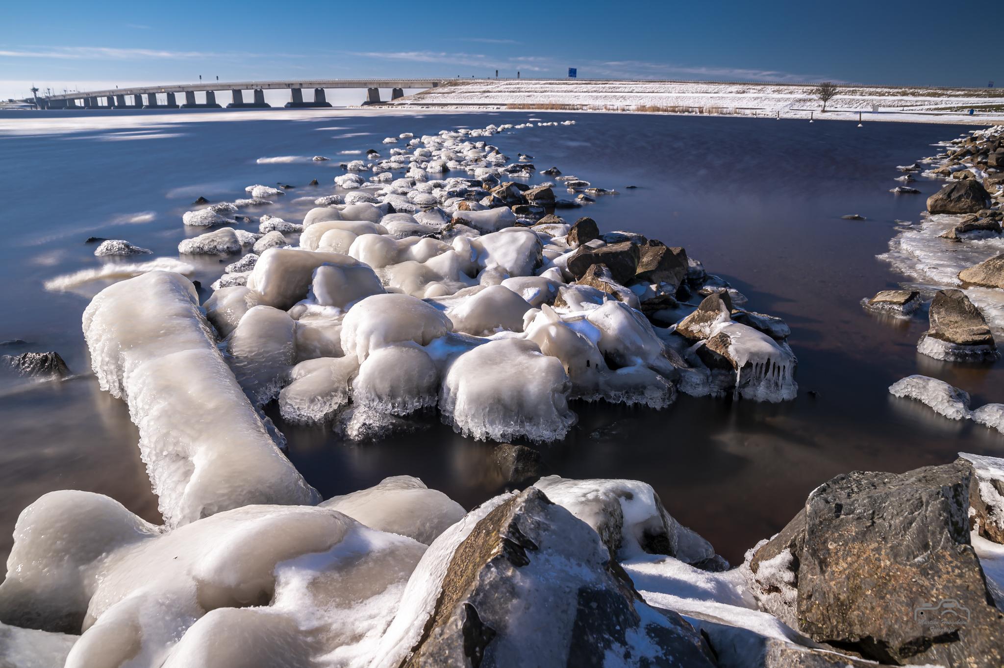 Winter onder de Ketelbrug