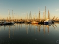Sunset in de haven van Nes